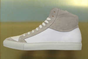 generic_man_sportsman_white_canvas_suede