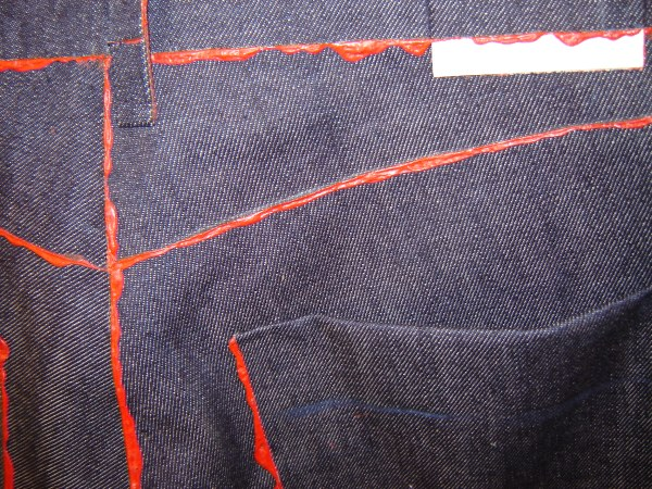 glue_jeans_red