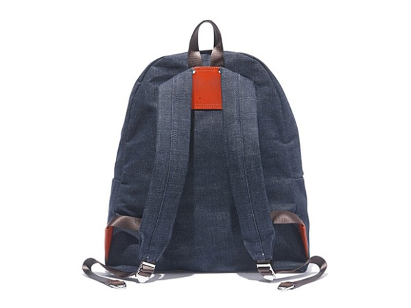 hobo_denim_day_pack_back