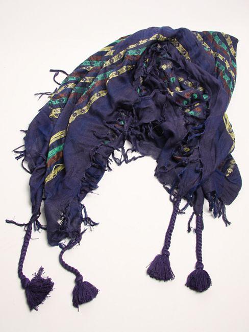 Nonnative_scarf
